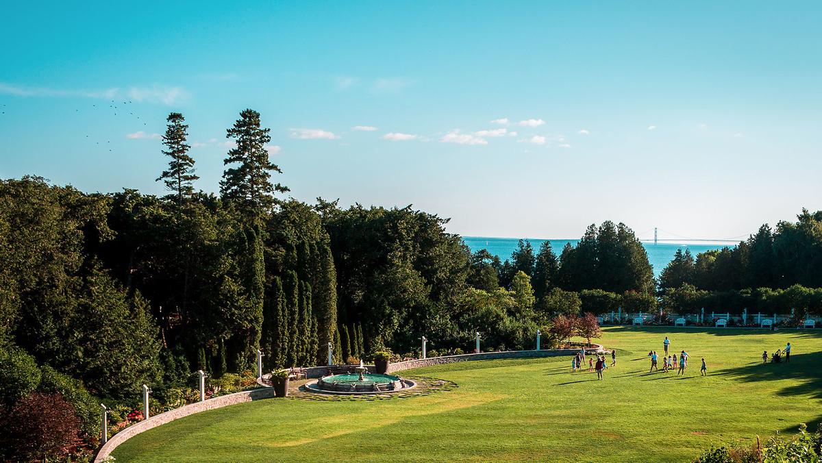 Grand Hotel Mackinac Island Jobs Abroad Resort Leaders Uk